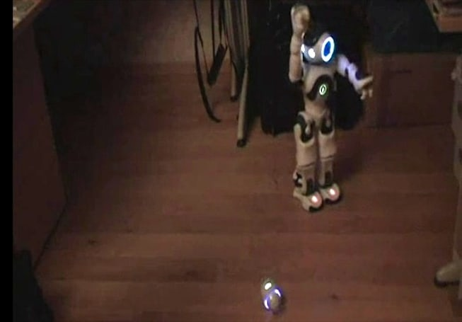 Video: Sony Rolly vs Nao in epic robot dance off