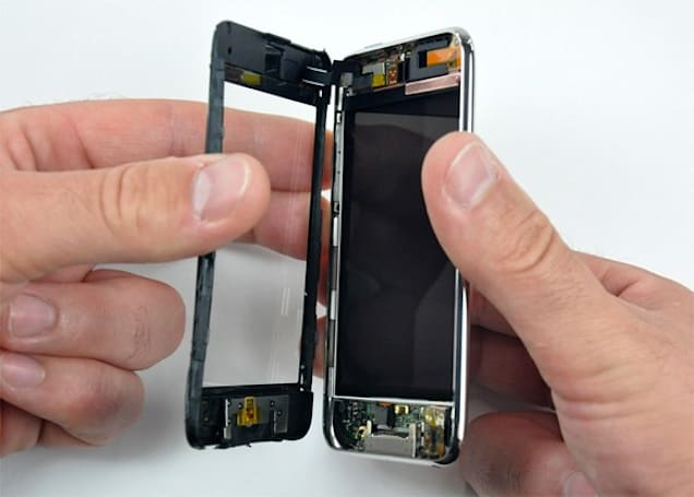3rd gen iPod touch gets torn down, 802.11n and possible camera slot found