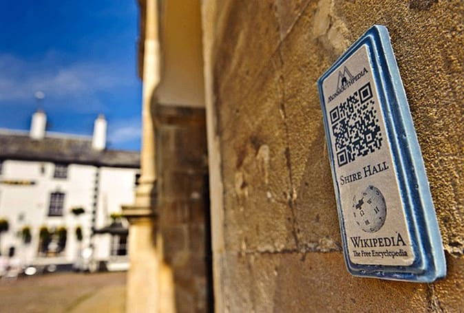Monmouthpedia: Wikipedia's very own QR-coated Welsh town (video)
