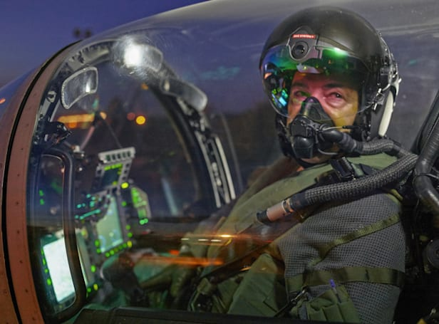 New fighter pilot helmet delivers night vision without goggles