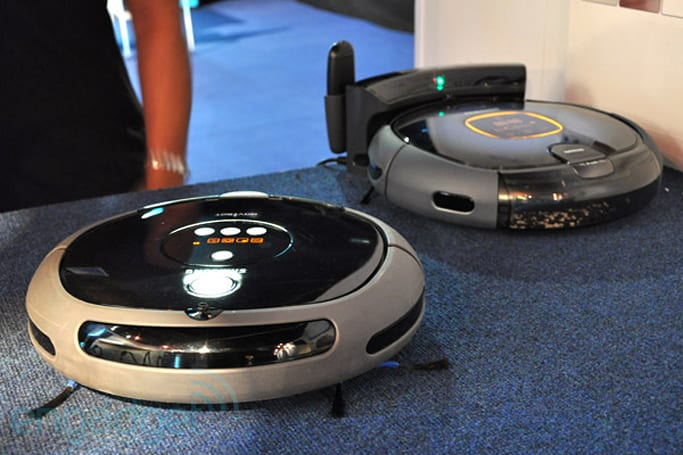 Samsung NaviBot SR8845 / SR8855 vacuum cleaner hands-on
