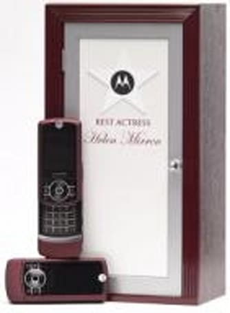 Motorola RIZR being given way at the Oscars