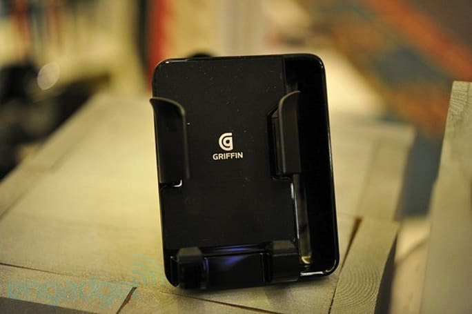 Griffin AirCurve Window Mount hands-on (video)