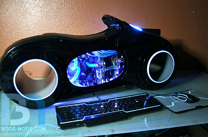 Tron lightcycle case mod is totally awesome, 100 percent 3D