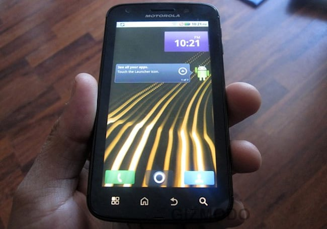 Motorola Olympus shows up in the wild, demonstrates unyielding commitment to Motoblur