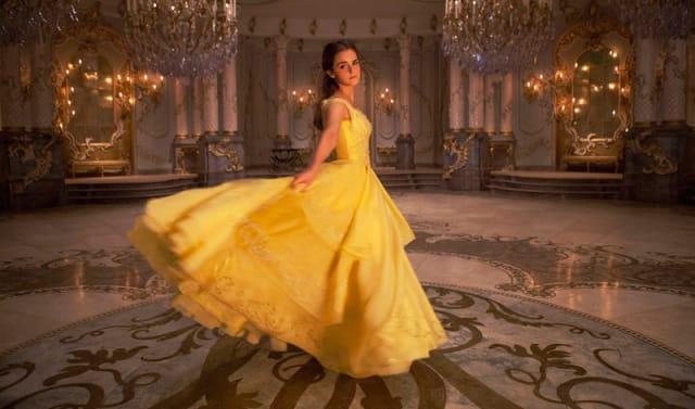 全世界が超期待!!!エマ・ワトソン主演『美女と野獣』予告映像 ポット夫人やルミエールら人気キャラたちも登場