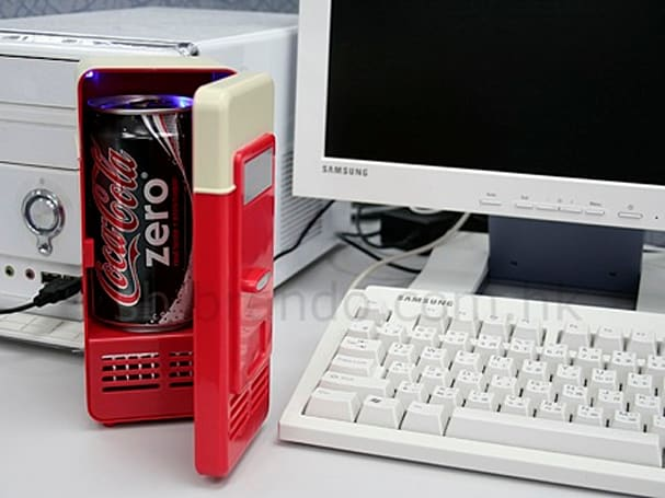 USB Mini Fridge keeps the dorks cool