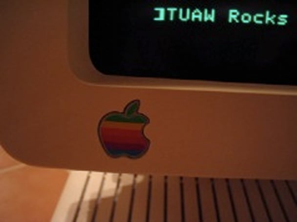 Over a dozen uses for old Macs