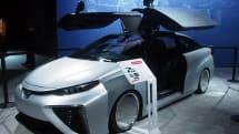 『バック・トゥ・ザ・フューチャー』っぽくカスタマイズされたトヨタ「MIRAI」、海外のモーターショーにお目見え