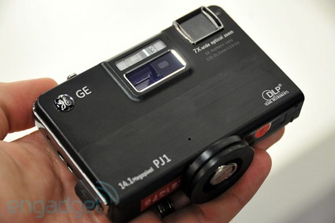 GE stuffs DLP projector into 14MP PJ1 point-and-shoot camera, we go hands-on