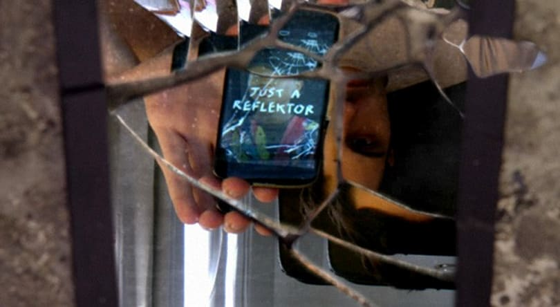 Arcade Fire's 'Just a Reflektor' music video takes cues from your smartphone