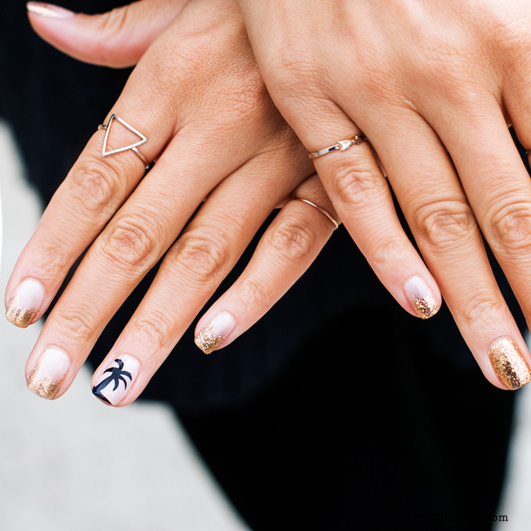 A gals guide to glitter: Nail art for the classic girl