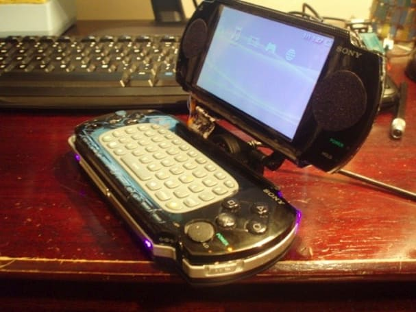 PSP and 360 Chatpad hacked into laptop (albeit for very small laps)