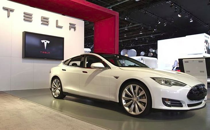 Tesla is racing to the finish line for Model S prep, talks up 'Supercharging'