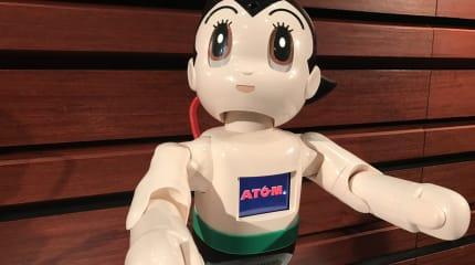 動画:鉄腕?樹脂腕? 組立式「ATOM」インプレ、コミュニケーション重視、ターミネーター的な人認識、身体能力は未知数