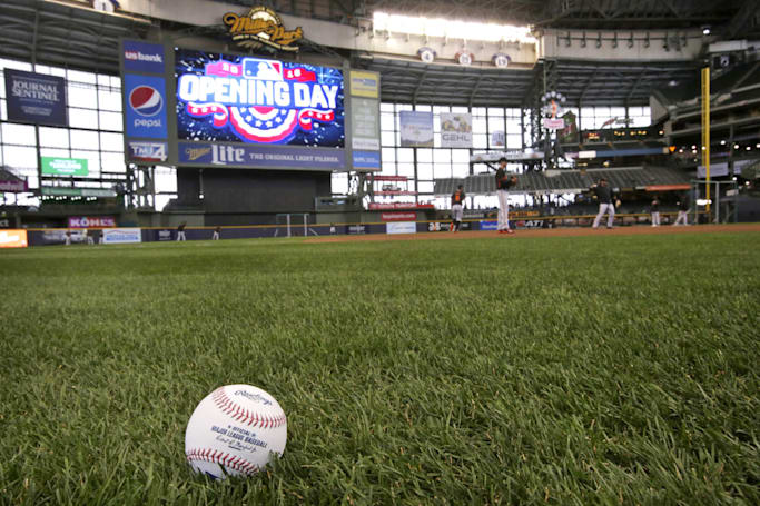 Yahoo expands sports streaming with daily MLB games