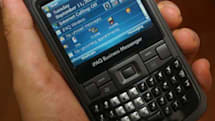 HP's iPAQ 912 Business Messenger gets handled