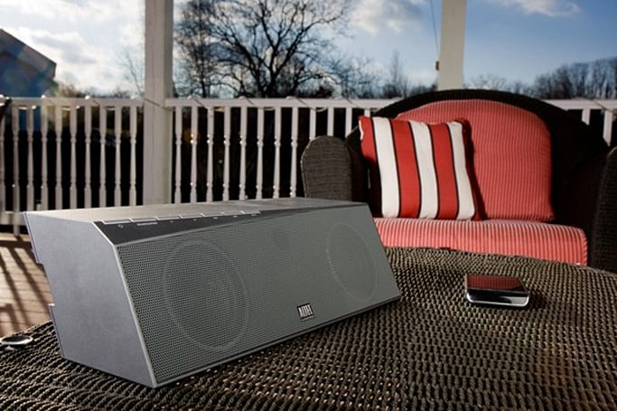 Altec Lansing's inMotion Air speaker system streams from just about anywhere