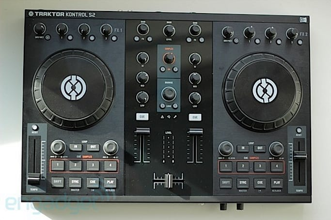 Native Instruments Traktor Kontrol S2 review