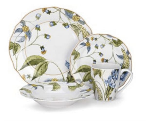 Noelia Collection 16-Piece Porcelain Dinnerware Set