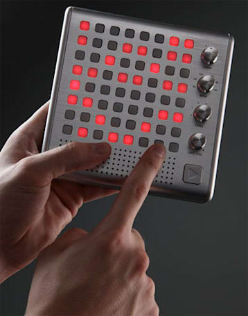 Bliptronic 5000 synthesizer: it's like a Tenori-On, but affordable