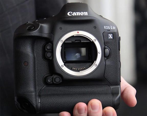 Canon EOS-1D X to arrive next week, just in time for dessert