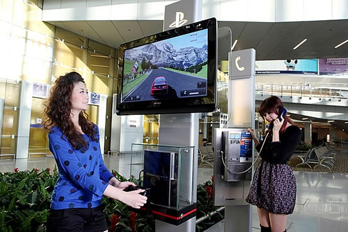 Hong Kong International Airport installs PS3 game poles, delays more flights