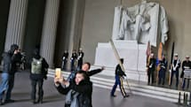 Adobe's Monument Mode gets rid of would-be photobombers