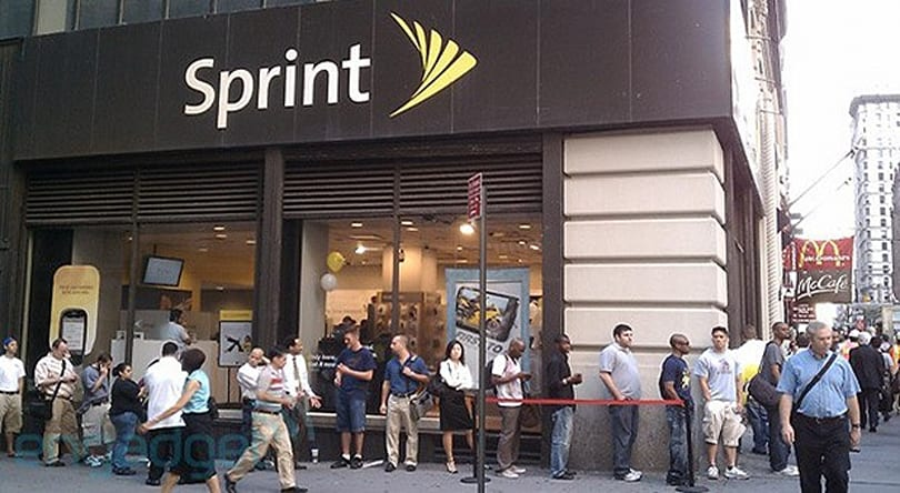 Sprint's iPhone gamble still isn't paying off as it loses 360,000 customers in a quarter