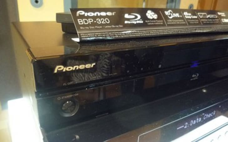 Pioneer BDP-LX52 & BDP-320 Blu-ray players get the hands on treatment