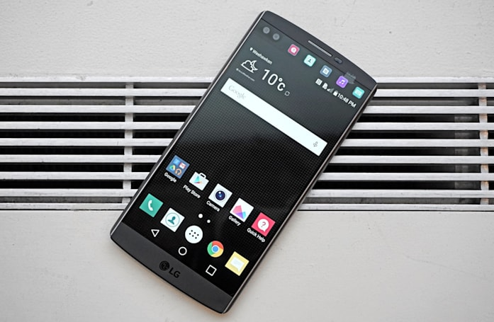 LG's dual-screen V10 phone reaches AT&T and T-Mobile this week