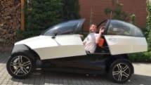 3Dプリンタを使って製作した電気自動車、費用は約130万円。チェコのデザイナーによるプロトタイプ
