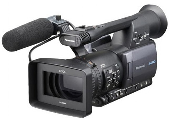 Panasonic shows off a pair of pro-level HD camcorders