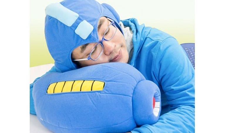 Play a game of Mega Man ZZZZZZ with this pillow set