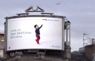 British Airways' digital billboard identifies planes as they pass overhead (video)