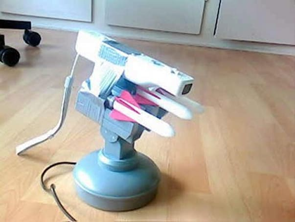 Auto-aiming USB missile launcher makes good use of your Wiimote