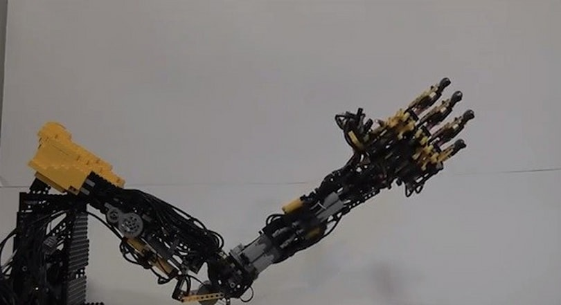 Lego-built robotic arm will pour you a drink, collapse under pressure (video)