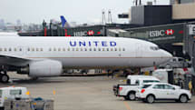 United grounds all its flights due to a network glitch (updated)