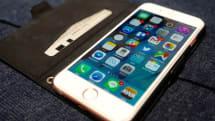 人気の手帳型iPhoneケースはどう便利? おサイフケータイ代わり、画面を保護する安心感など