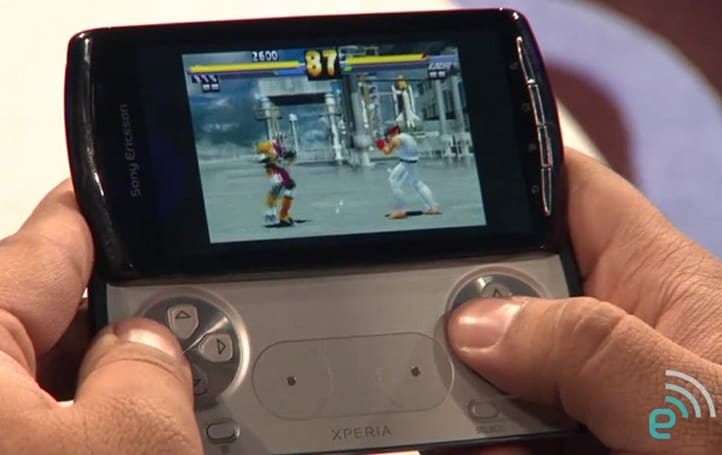 The Engadget Show: Xperia Play / PlayStation phone previewed, 'shoulder flippers' in tow (video)