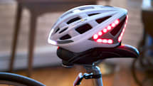 Lumos helmet keeps cyclists safe with automatic brake lights