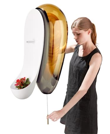 Honey, at home: Philips urban beehive shrinks your ecological footprint, increases holes on belt