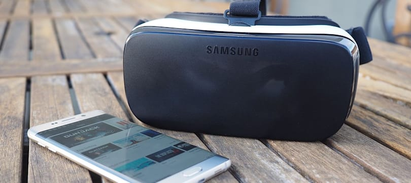 Flickr's Gear VR app takes you inside 360-degree photos