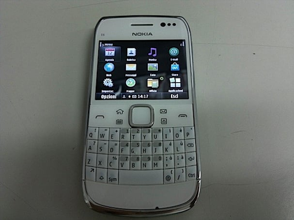 Nokia E6-00 handled on video, touchscreen and all