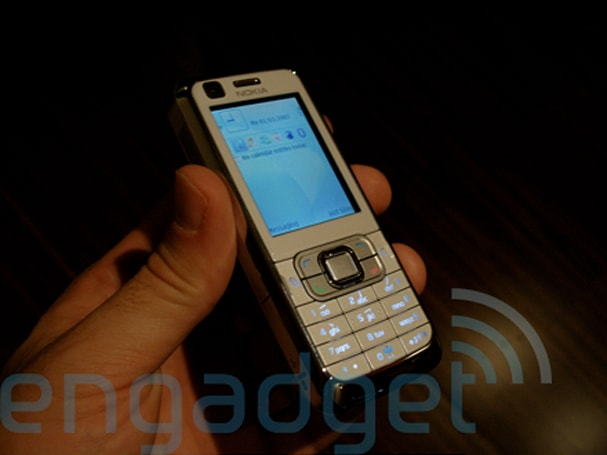 Hands-on with the Nokia 6120 Classic