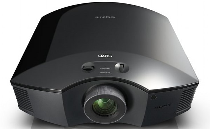Sony's new 3D VPL-HW30ES projector is official for the US too, costs $3,699