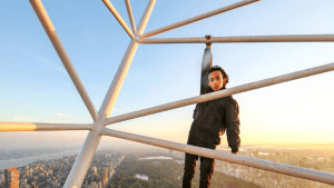 Teen Climbs Tallest Building in New York