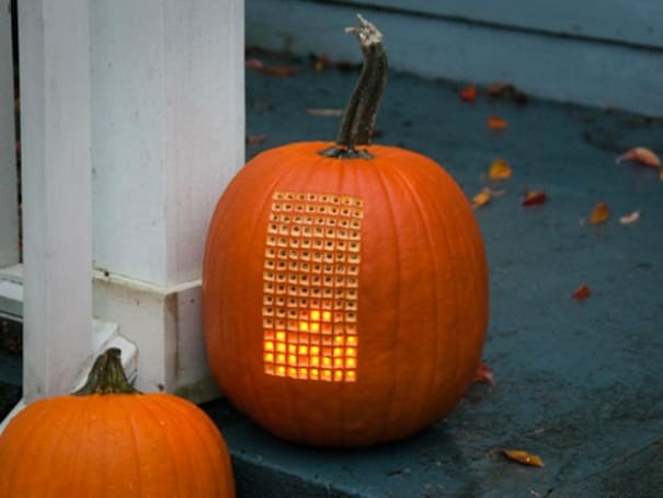 Holy Great Pumpkin, Charlie Brown! Tetris ported to a jack-o'-lantern (video)