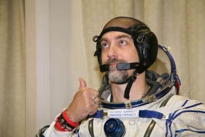Richard Garriott returns safely from space
