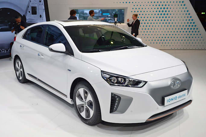 2017 Hyundai Ioniq triplets electrify New York